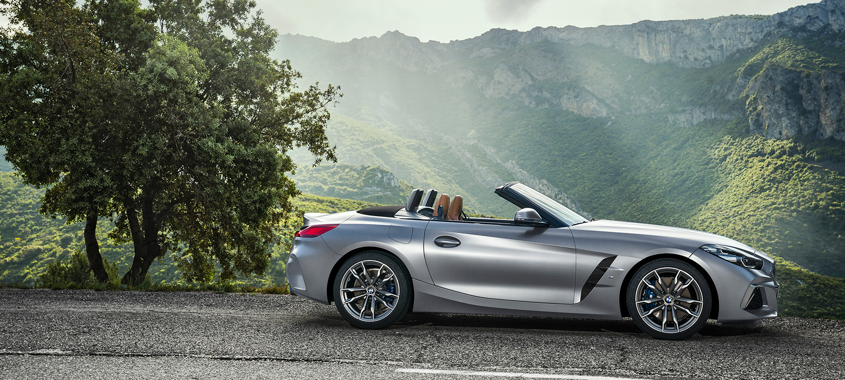 BMW Z4 M40i G29 2019 Cabrio BMW Individual Frozen Grey metallic parking side view